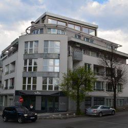 Сградата, в която се намира кабинетът