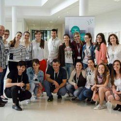 Д-р Албена Латковска с лекари по дентална медицина на курс в Белгия